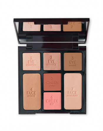 INSTANT LOOK IN A PALETTE